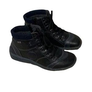 Remonte Navy and Black Leather Ankle Boot